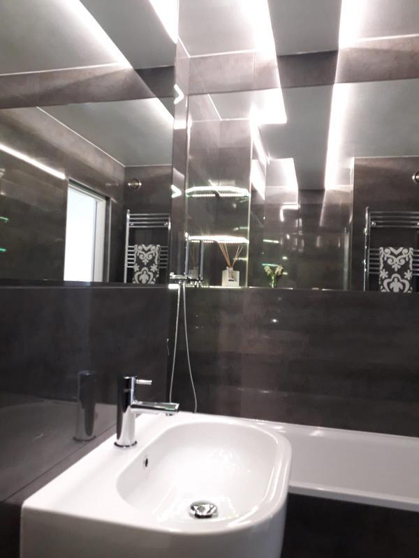 Image 224 - Full bathroom installation