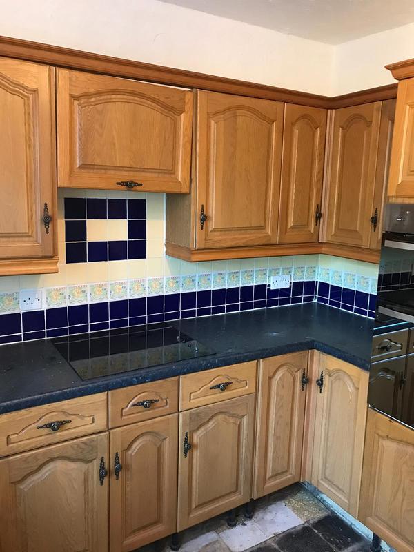 Image 13 - Old Romford kitchen