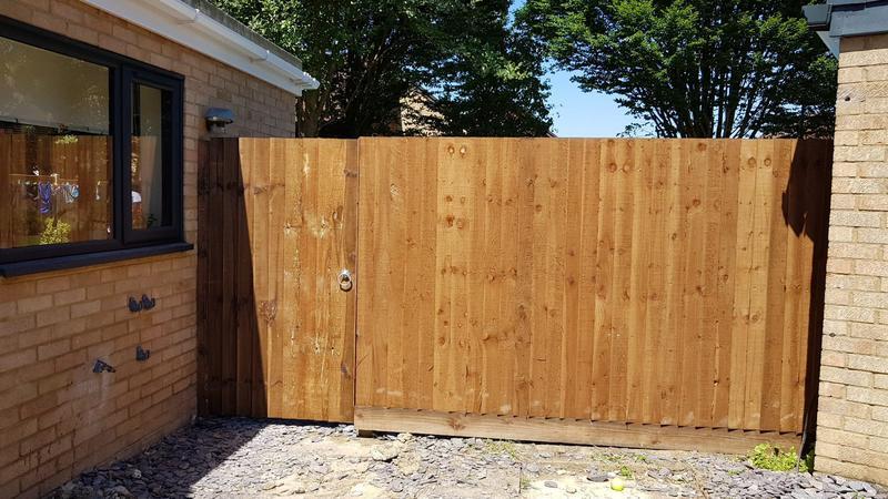 Image 132 - Fencing plus gate