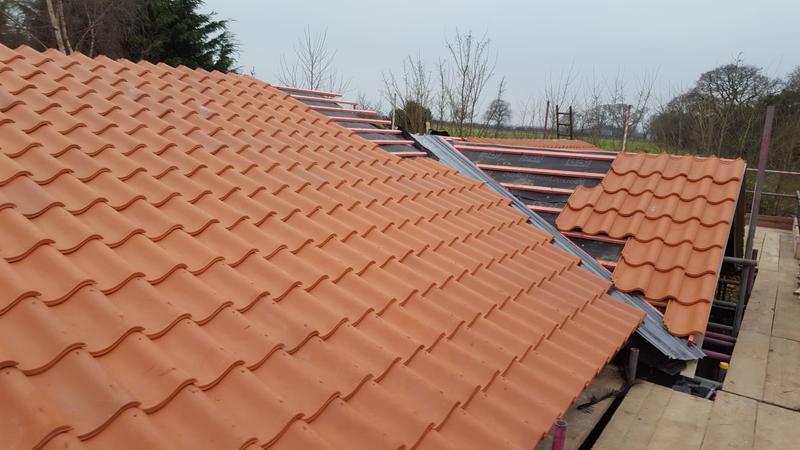 Image 282 - Roof tilling