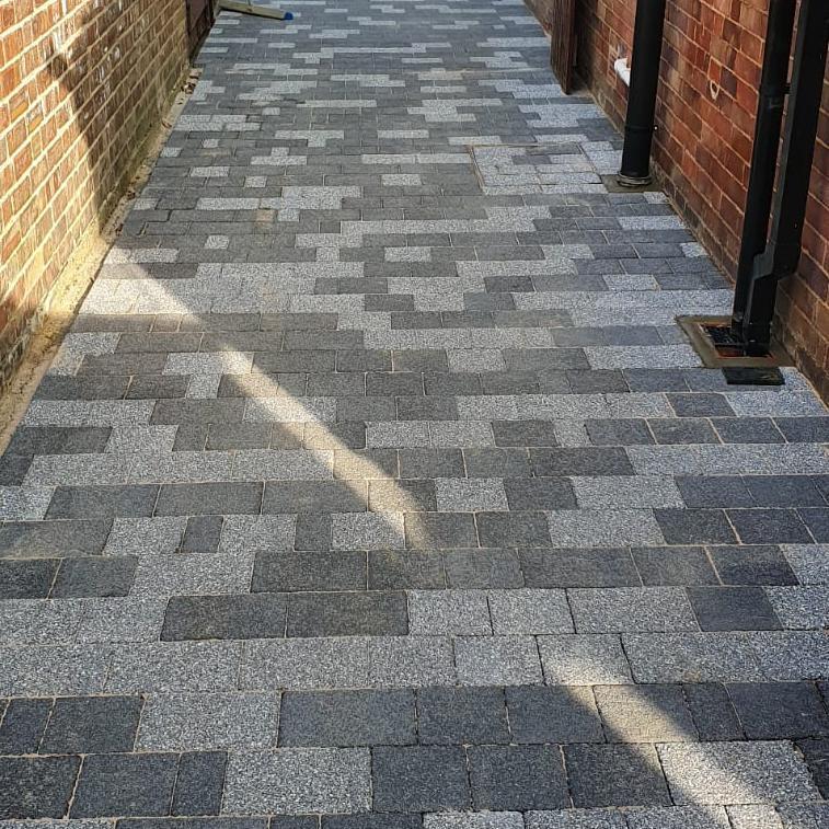 Image 370 - Block paving