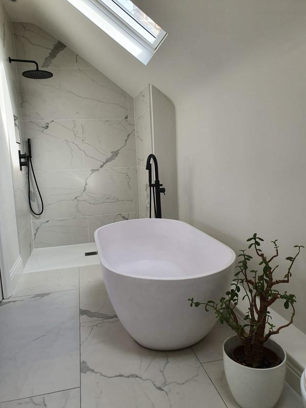 Image 32 - Roof extension ensuite
