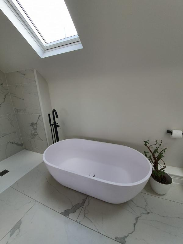 Image 30 - Roof extension ensuite