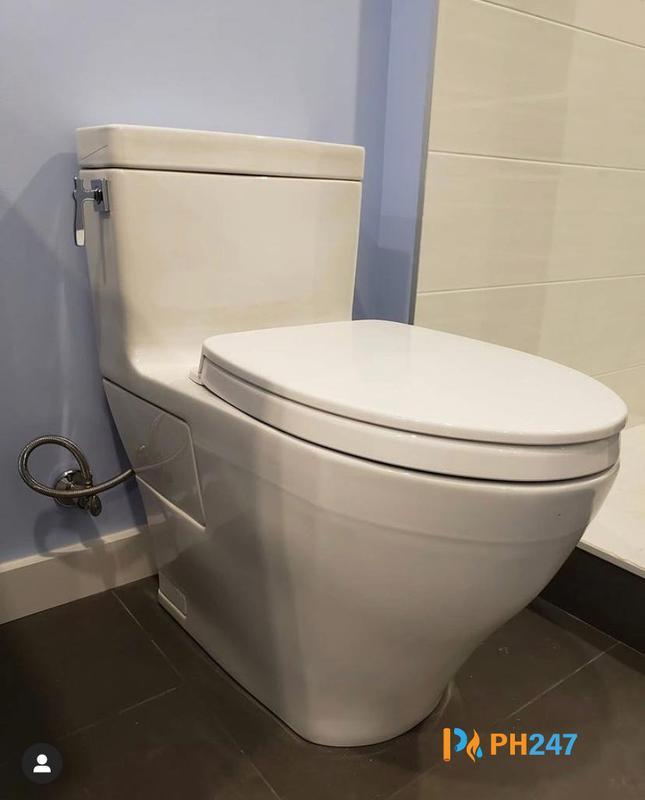 Image 11 - Toilet