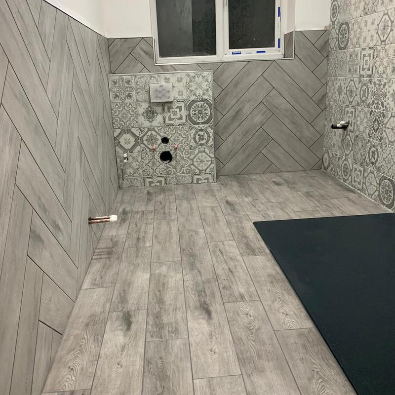 Image 101 - First floor guests bathroom tiling