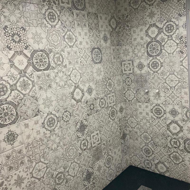 Image 100 - First floor guests bathroom tiling