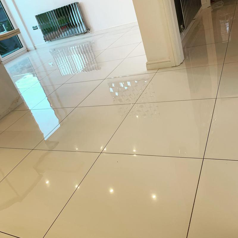Image 91 - 50 m2 white polished porcelain tiles fitted in Solihull