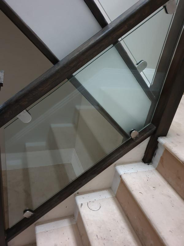 Image 38 - Glass staircase