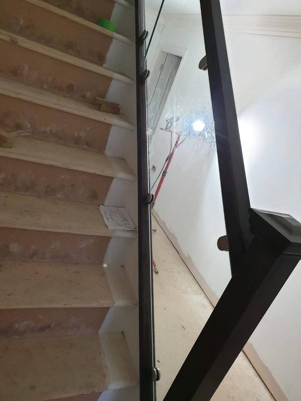 Image 39 - Glass staircase
