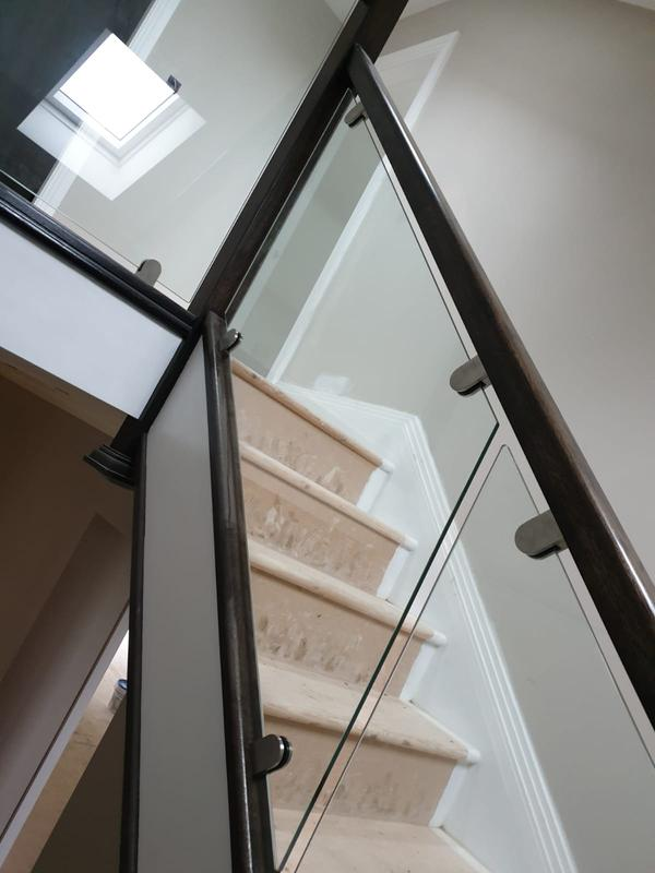 Image 40 - Glass staircase