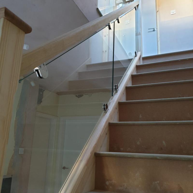 Image 49 - Glass balustrade