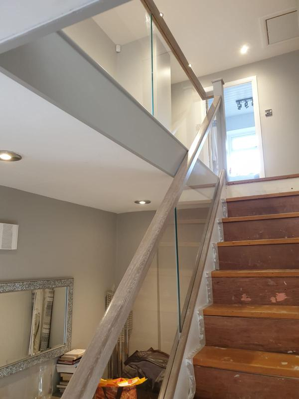 Image 42 - Glass staircase