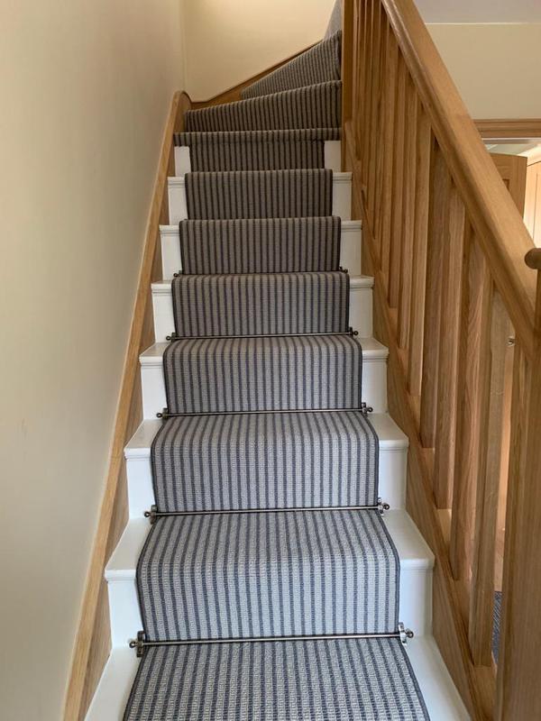 Image 37 - Oak staircase