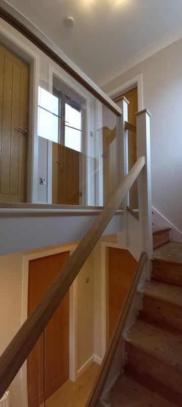 Image 8 - Staircase Glass balustrades