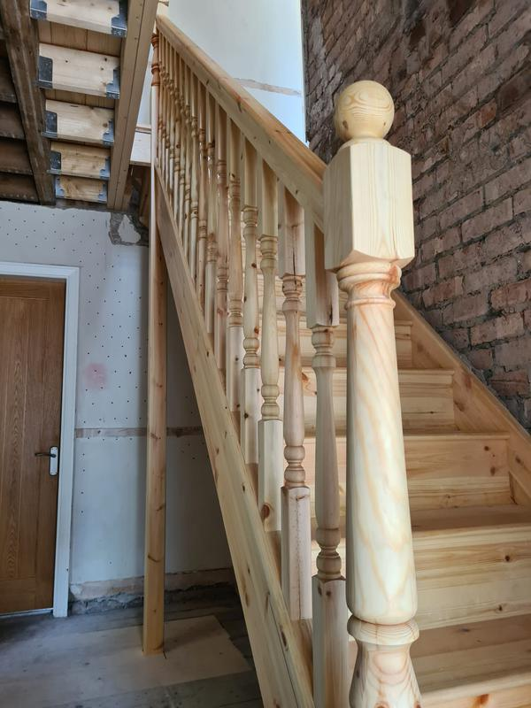 Image 20 - Wooden staircases