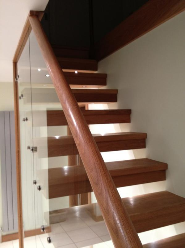 Image 13 - Floating stair2