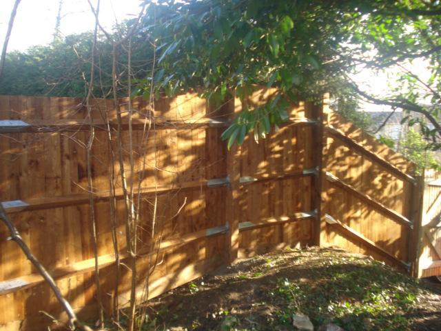 Image 109 - Feather board fence