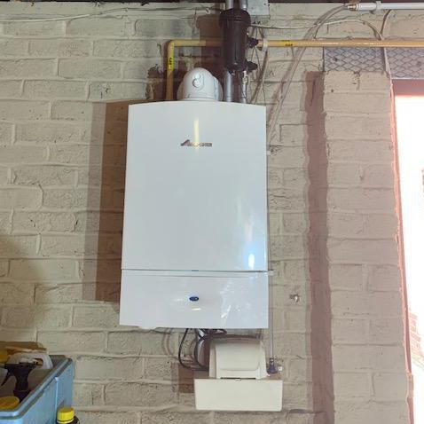 Image 2 - Worcester Bosch Ri 30Kw boiler & condensate pump