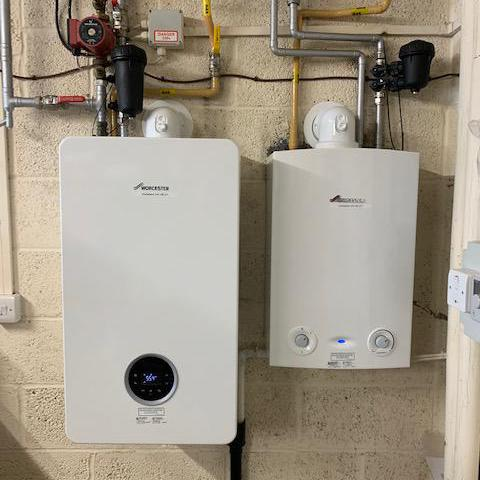 Image 8 - Worcester Bosch Life 8000 35 kw boiler for heating only