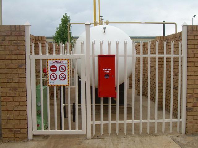 Image 24 - LPG gas bulk tank installation