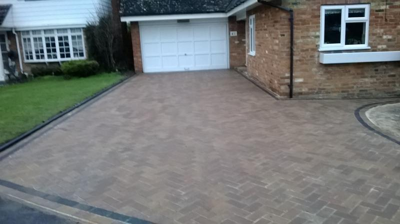 Image 37 - Block Paving Driveway, Forest Blend & Charcoal in Eaton Bray