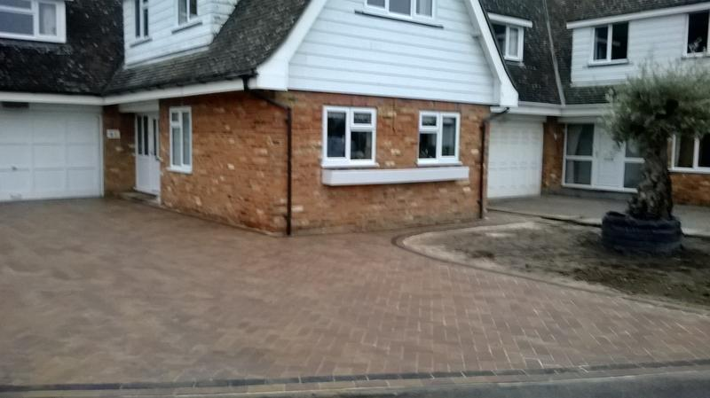Image 36 - Block Paving Driveway, Forest Blend & Charcoal in Eaton Bray