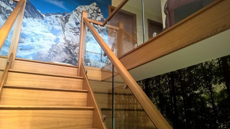 Image 30 - Solid oak staircase with glass