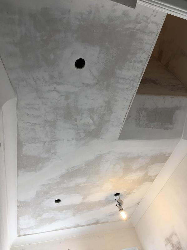 Image 19 - Ceilings and walls lined with 1000 grade lining paper, painted with Dulux Easycare emulsion