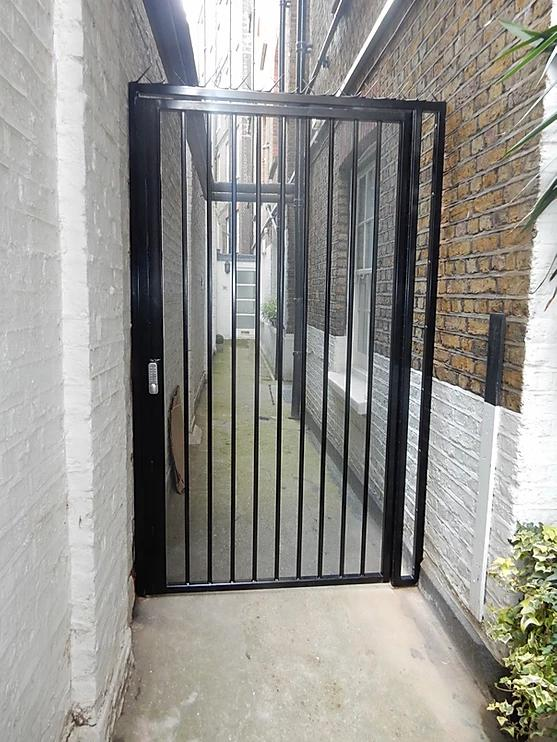 Image 68 - High Security Side Gates, galvanised and powder coated, high security deadlocks fitted as standard
