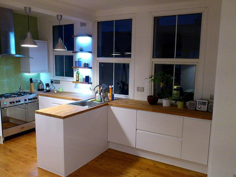 Image 43 - Kitchen,and solid wood floor
